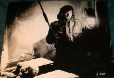 "Kurt Russell Signed Autograph Vintage ""the Thing"" Classic Pose 11x14 Photo Coa"