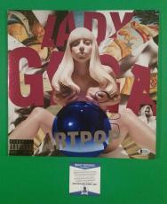 "Lady Gaga Signed ""artpop"" Lp Record Album With Photo Proof And Bas Beckett Coa"