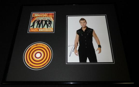 Lance Bass Signed Framed 16x20 Photo & *NSYNC CD Display AW