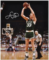 Larry Bird Boston Celtics Autographed 16'' x 20'' Shooting Photograph - Mounted Memories