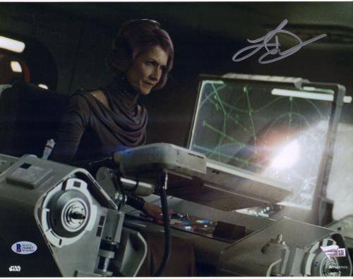 """Laura Dern The Last Jedi Autographed 12"""" x 18"""" Photograph - BAS"""