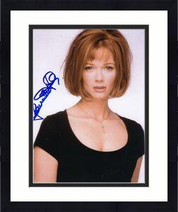 LAUREN HOLLY signed (DUMB & DUMBER) Movie Star 8X10 W/COA