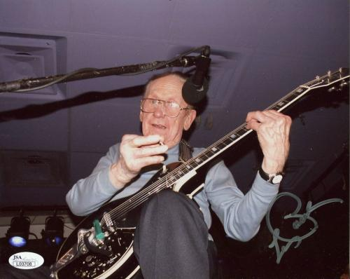 LES PAUL HAND SIGNED 8x10 COLOR PHOTO       RARE IN CONCERT POSE        JSA