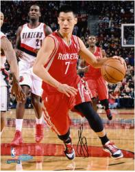 Jeremy Lin Houston Rockets #7 Autographed 8'' x 10'' Photograph - Mounted Memories