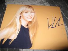 LISA KUDROW SIGNED AUTOGRAPH 8x10 PHOTO FRIENDS SEXY BEAUTY IN PERSON COA D