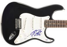 Liza Minnelli Cabaret Signed Guitar Autograph Psa/dna #q51500