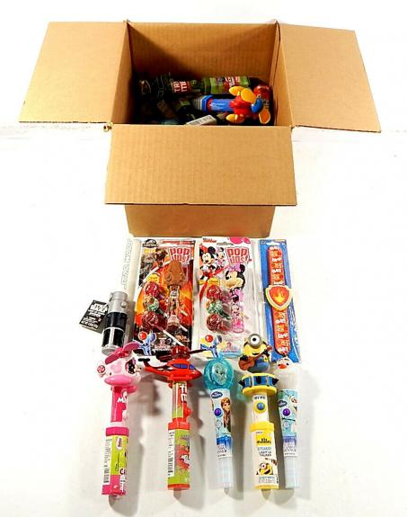 Lot of (29) Toy Candy Fans Light Ups Star Wars Minions Disney Helicopters
