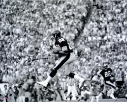 Lynn Swann Pittsburgh Steelers Autographed 16'' x 20'' Black & White Catch Photograph