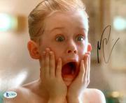 Macaulay Culkin Signed Home Alone 8x10 Photo BECKETT BAS