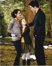 Mackenzie Foy signed The Twilight Saga: Breaking Dawn 8x10 photo W/Coa Proof #5