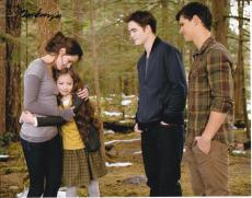 Mackenzie Foy signed The Twilight Saga: Breaking Dawn 8x10 photo W/Coa Proof #8
