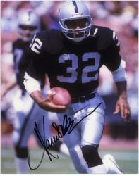 Marcus Allen Oakland Raiders Autographed 8'' x 10'' Running Photograph - Mounted Memories