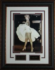 Marilyn Monroe - Seven Year Itch Replica Autographed Display