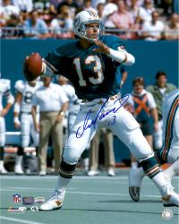 Dan Marino Miami Dolphins Autographed 16'' x 20'' Throw Photograph