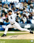 Mark Buehrle Chicago White Sox Autographed 16'' x 20'' Pitching Photograph