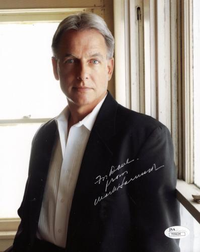 MARK HARMON HAND SIGNED 8x10 COLOR PHOTO    AWESOME NCIS POSE     TO DAVE    JSA