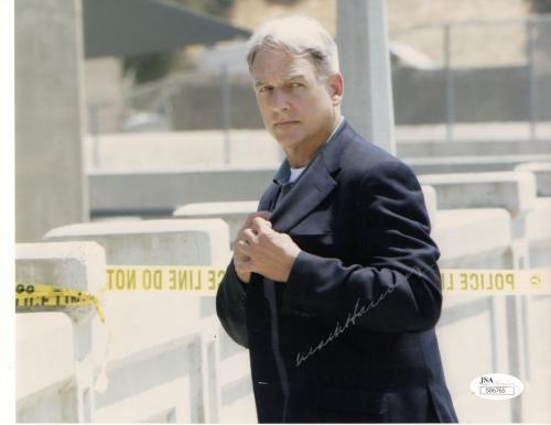 MARK HARMON HAND SIGNED 8x10 COLOR PHOTO       BEST POSE FROM NCIS      JSA