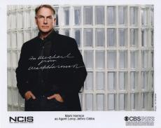 MARK HARMON HAND SIGNED 8x10 PHOTO+COA      GREAT POSE FROM NCIS      TO MICHAEL