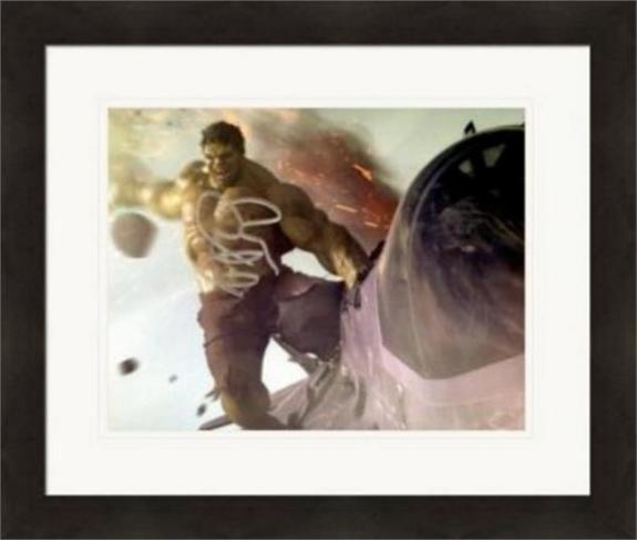 Mark Ruffalo autographed 8x10 photo (The Hulk Avengers Marvel) #SC2 Matted & Framed