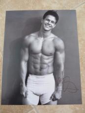 Mark Wahlberg Sexy Underwear Signed Autographed 11x14 Photo Beckett Certified