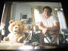 MARK WAHLBERG SIGNED AUTOGRAPH 8x10 PHOTO TED PROMO TEDDY BEAR COA AUTO RARE D
