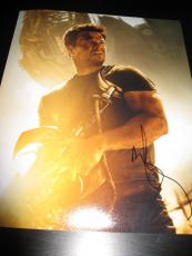 MARK WAHLBERG SIGNED AUTOGRAPH 8x10 PHOTO TRANSFORMERS PROMO AGE OF EXTINCTION F