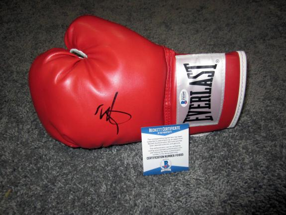 MARK WAHLBERG The Fighter SIGNED Autographed Everlast Boxing Glove w/ BAS COA