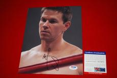 MARK WAHLBERG  the fighter ted signed PSA/DNA 8x10 photo