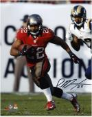 Doug Martin Tampa Bay Buccaneers Autographed 8'' x 10'' vs St. Louis Rams Photograph - Mounted Memories