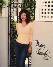 MARY STEENBURGEN signed *BACK TO THE FUTURE* STAR 8X10