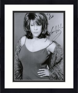 MARY WILSON HAND SIGNED 8x10 PHOTO+COA    THE SUPREMES    LOVELY POSE     TO BOB