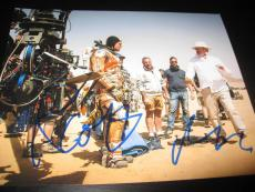 MATT DAMON RIDLEY SCOTT SIGNED AUTOGRAPH 8x10 PHOTO THE MARTIAN ACTION SHOT COA