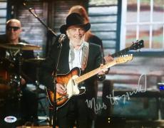 Merle Haggard (2014 ACM Award Performance) Signed 11x14 Photo Psa/Dna