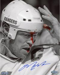 Mark Messier New York Rangers Autographed 8'' x 10'' Vertical B&W Blood Photograph - Mounted Memories