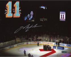 Mark Messier New York Rangers Autographed 8'' x 10'' Horizontal Retirement Night Photograph - Mounted Memories