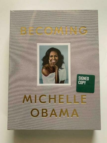 Michelle Obama - Becoming Deluxe Edition SIGNED Hard Back Book  + Extras