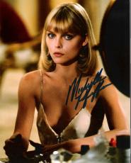"MICHELLE PFEIFFER - Movies Include ""SCARFACE"", ""BATMAN RETURNS"", and ""HAIRSPRAY"" Signed 8x10 Color Photo"