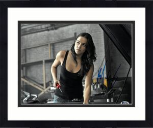 Michelle Rodriguez signed The Fast and the Furious Letty 11X14 Photo (horizontal)- Beckett Holo #B70602