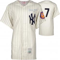 Mickey Mantle New York Yankees Autographed Pinstripe Jersey with #7 Inscription PSA #U05615