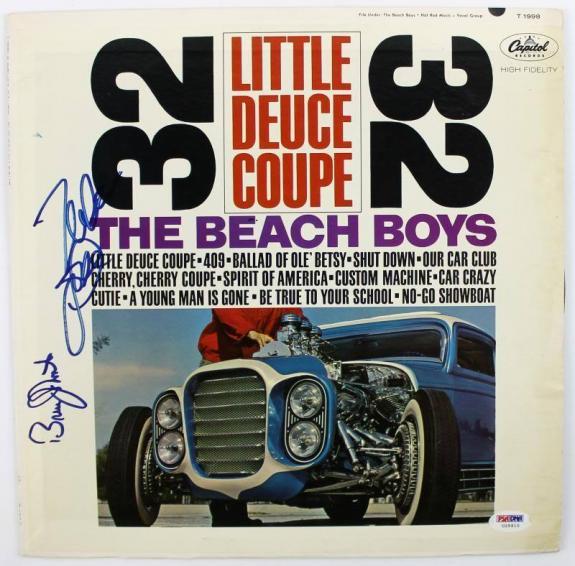 Mike Love & Bruce Johnston Beach Boys Signed Album Cover W/ Vinyl PSA #U25910