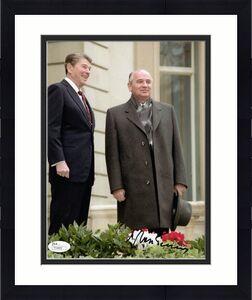 MIKHAIL GORBACHEV HAND SIGNED 8x10 COLOR PHOTO      RONALD REAGAN     RARE   JSA