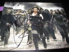 MILLA JOVOVICH SIGNED AUTOGRAPH 8x10 PHOTO RESIDENT EVIL PROMO IN PERSON COA J