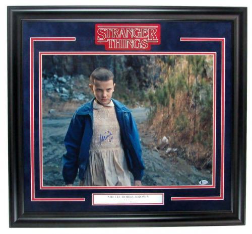 """Millie Bobby Brown """"Stranger Things"""" Signed 16x20 Photo Framed Beckett 147936"""
