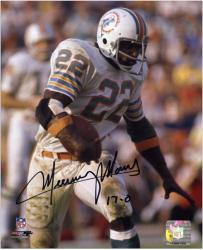 Mercury Morris Miami Dolphins Autographed 8'' x 10'' Pose with Ball Photograph with 17-0 Inscription - Mounted Memories