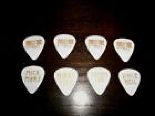 Motley Crue 4 Guitar Pick Set Ozzfest 2010 Gold White