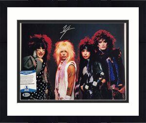 Motley Crue lead singer Vince Neil signed 11x14 band photo ~ Beckett BAS COA