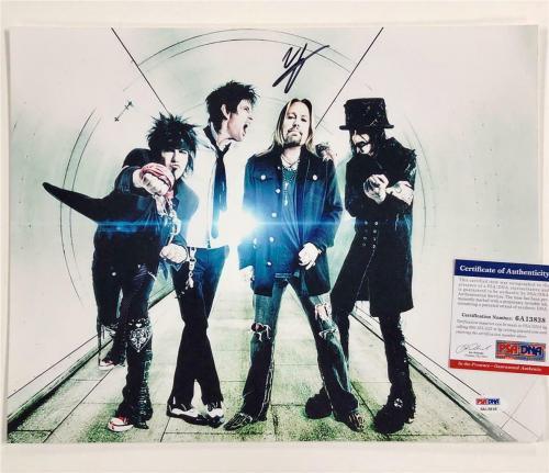 Motley Crue lead singer Vince Neil signed 11x14 band photo ~ PSA ITP Witness COA