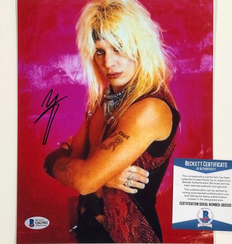 Motley Crue singer Vince Neil autograph signed 8x10 Photo ~ Beckett BAS COA