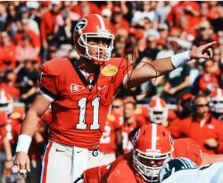 Aaron Murray Georgia Bulldogs Autographed 16'' x 20'' Pointing Photograph - Mounted Memories