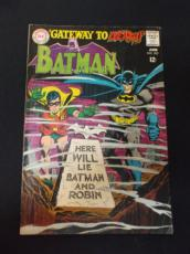 "MW) Comic Book BATMAN 202 ""Gateway to Death"" F/VF (large scans)"